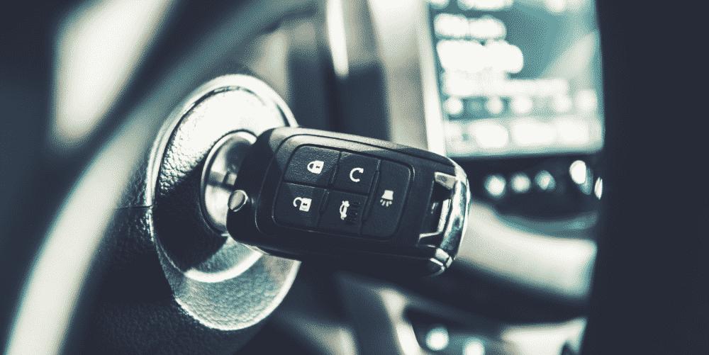 Schlüssel im Auto vergessen - das können Sie tun